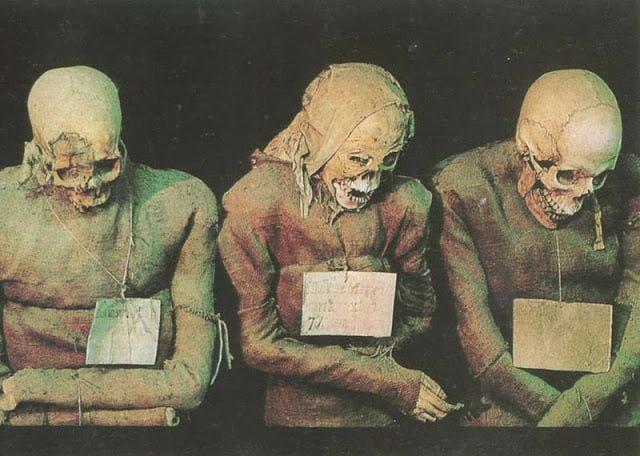 Capuchin Catacombe, ITaly, Rome, Hindi, History, Story, Information, Kahani, Itihas, Jankari, Haunted, Mummy, Ossuary ,