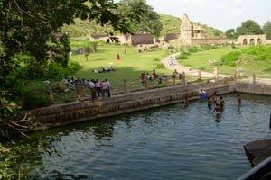 Bhangarh Fort History In Hindi