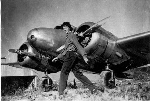 Amelia Earhart Flight, Disaster, Hadsa, History, Story, Kahani, Itihas, Hindi