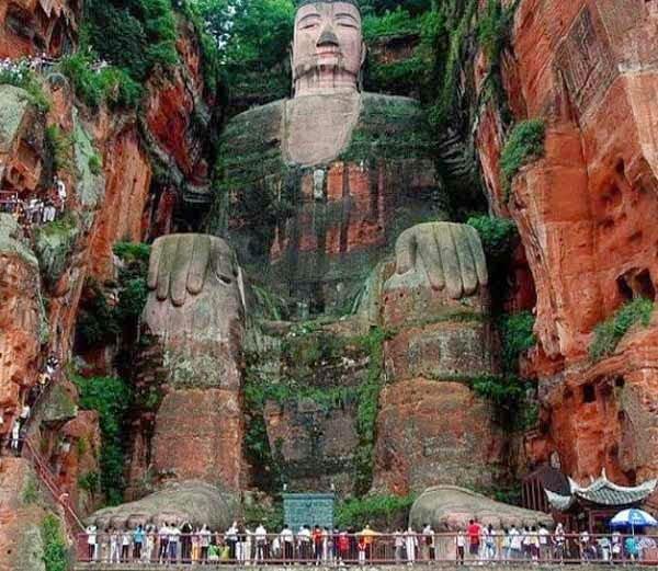 Leshan Giant Buddha: Leshan, China, History, Story, Kahani, Itihas, Information, Hindi