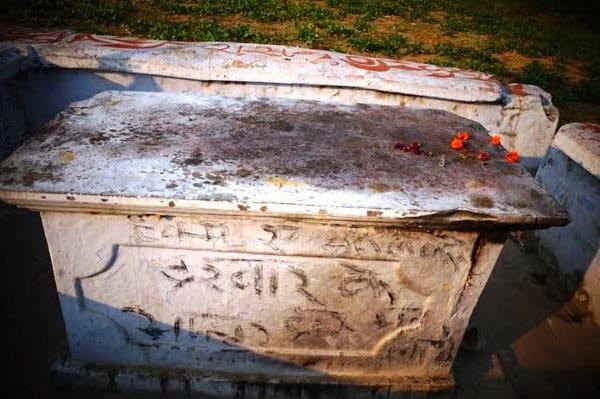 Captain Wels Grave, Lucknow, U.P.