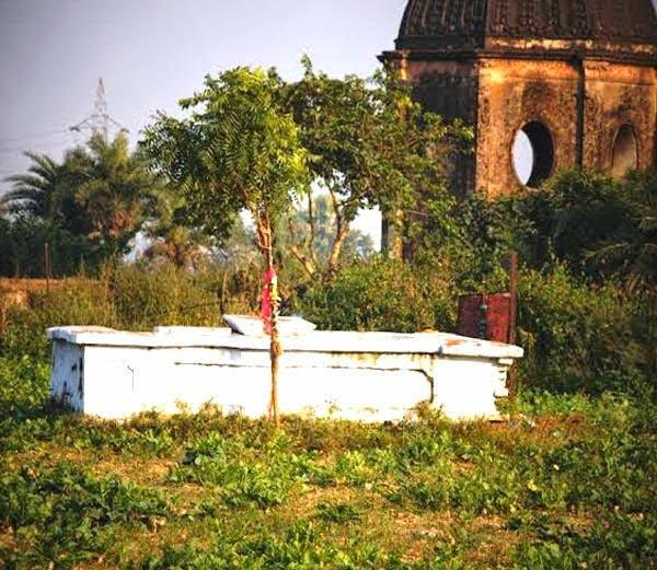 Grave of a Christian Soldier Captain Wels in Hardoi, Lucknow, Utter pradesh