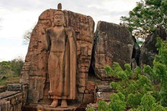 Avukana Buddha Statue: Kekirawa, Sri Lanka, History, Story, Kahani, Itihas, Information, Hindi