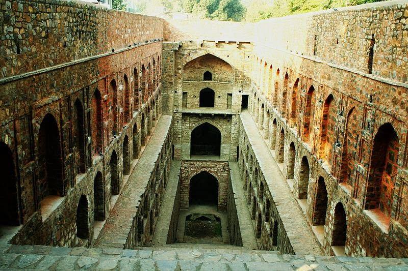Agrasen ki baoli - Connaught Place - Delhi, Hindi, News, Story, History, Kahani, Khabar, India, Most, Top, Haunted, Creepy, Spooky, Ghostly, Places,