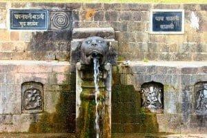 Pap Nashini Baoli Sudh Mahadev Tempel