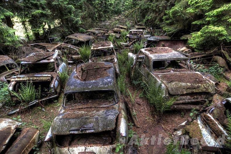 Chatillon, Car Graveyard In Belgium, History &  Story In Hindi