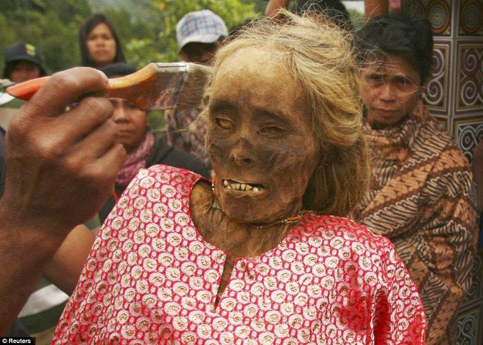Toraja Tribe Ma'Nene Tradition Information in Hindi