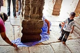 Hanging Lepakshi Temple story in Hindi
