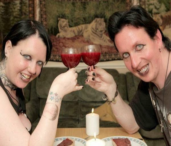 Real life vampire couple Story in Hindi