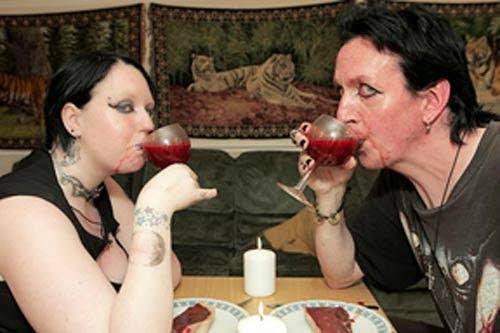 Real life vampire couple ki kahani
