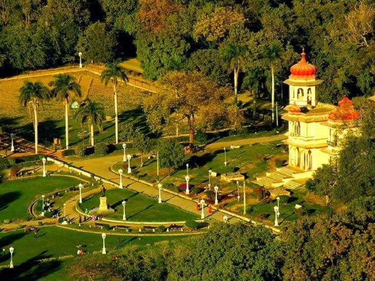 Gulab Bagh, Udaipur, Information & History in Hindi