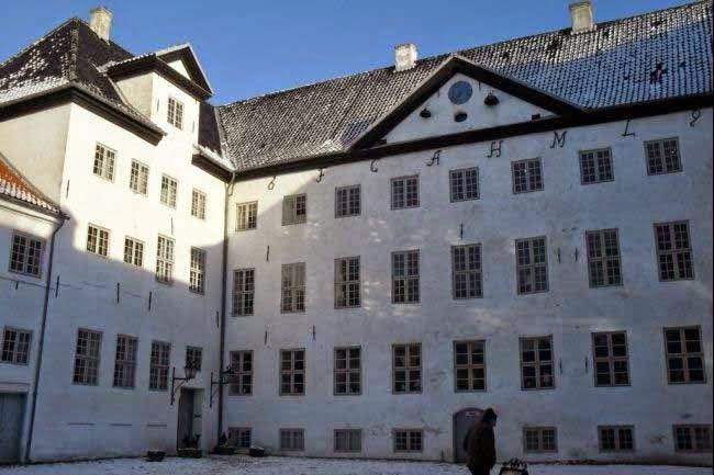 Dragsholm Slot, Denmark History & Story in Hindi