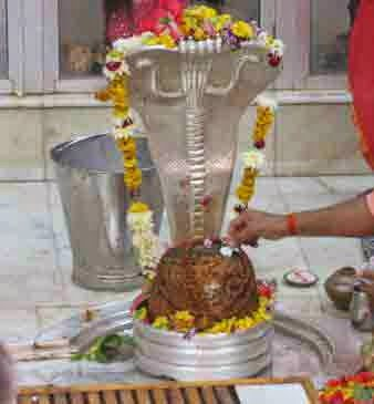 Nageshvara Jyotirlinga Information, Story & History in Hindi