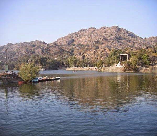 Mount Abu Story & History in Hindi