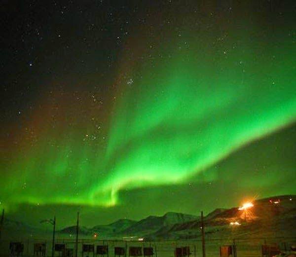Longyearbyen, Norway Northern lights Story in Hindi