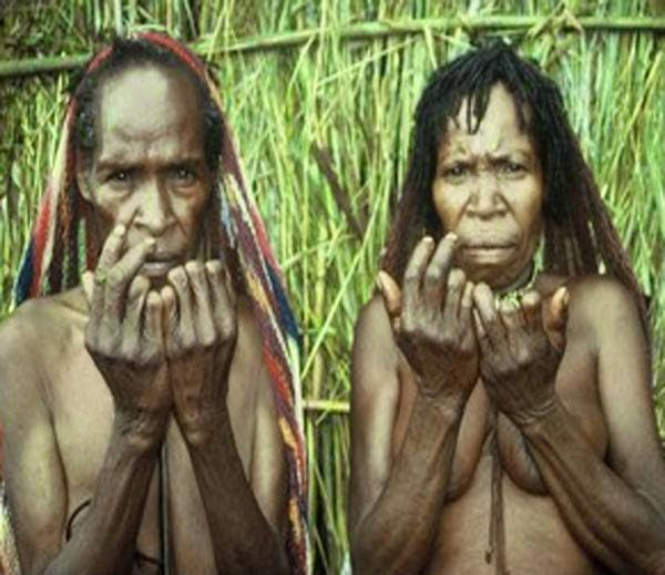 Hindi, News, Story, History, Weird, Bizarre, Amazing, Interesting, Ritual, Tradition, Parmpara, Dead Body, Dani Tribe Practices Finger Cutting, In Hindi,