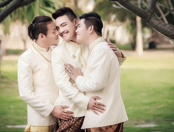Threesome Gay Marriage Real Story in Hindi
