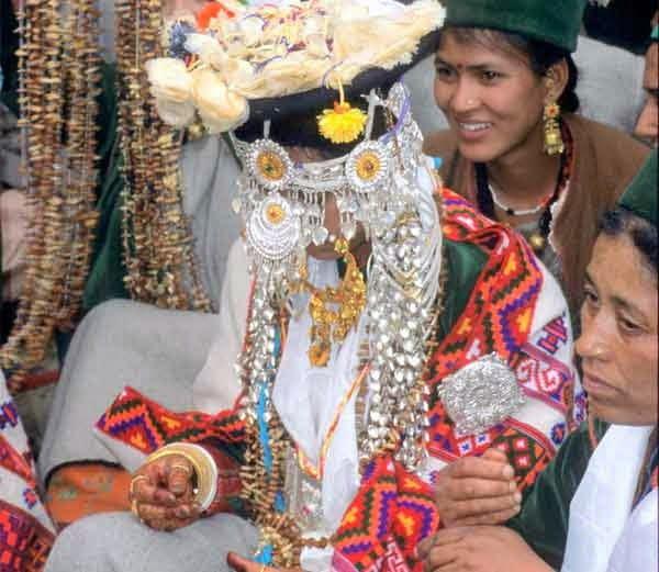 Bizarre Wedding Tradition of Lahaul Spiti in Hindi
