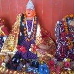 जीजी बाई का मंदिर (Jiji Bai Ka Mandir)-  एक अनोखा मंदिर जहाँ मन्नत पूरी होने पर मां दुर्गा को चढ़ती है चप्पल और सैंडिल