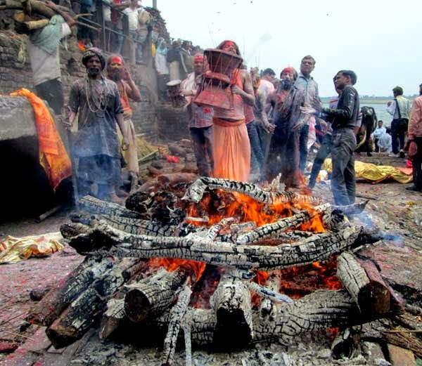 Hindi Information of Amazing Holi Tradition