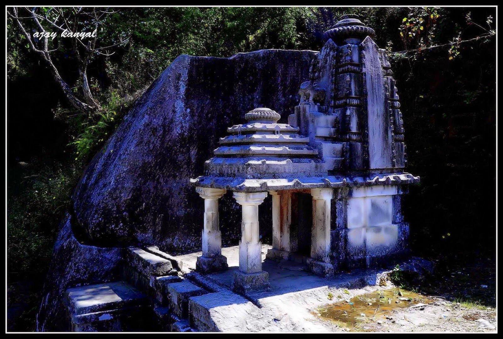 Hindi Story & History of Ek Hathiya Deval Uttarakhand