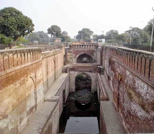 Gyani chor ki bawadi History Story in Hindi