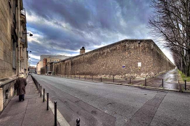 La Sante Prison Information in Hindi