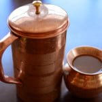 इन 10 कारणों से अवश्य पिए तांबे के बर्तन में रखा पानी (ताम्रजल)