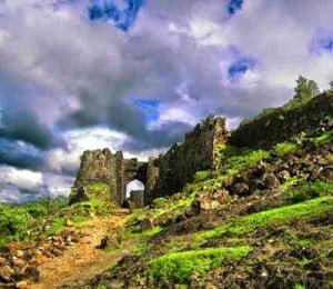Chilkhdhara Virat Nagar Gavilgad Fort History in Hindi