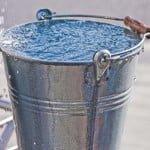 Daridrata nivaran upay : नहाने के पानी का ये प्राचीन उपाय करने से दूर हो सकती है दरिद्रता