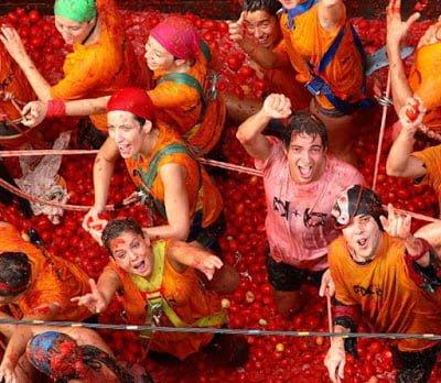 World famous 7 weird festivals in Hindi
