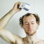 शास्त्रानुसार स्त्री हो या पुरुष, नहाते समय ध्यान रखनी चाहिए ये बातें