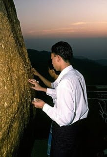 The Golden Rock Kyaiktiyo Pagoda Myanmar History in Hindi