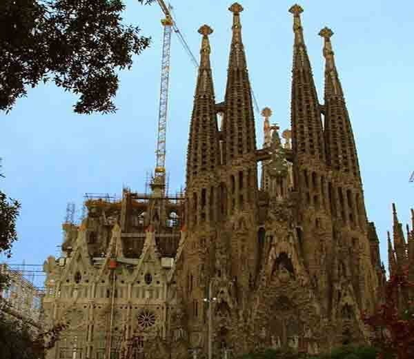 Most Famous & Beautiful Churches in World - Hindi Information