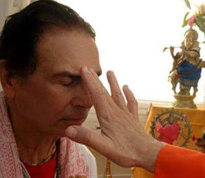 Ancient Hindu Traditions & Benefits Tilak lagana