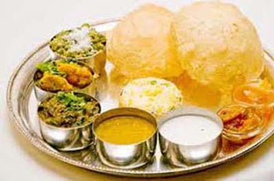 Ancient Hindu Traditions & Benefits Jameen par baith kar khana