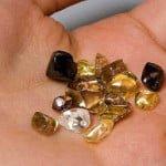 द क्रेटर ऑफ डायमंड- इस हीरे की खदान में जिसे जो मिलता है उसी का हो जाता है
