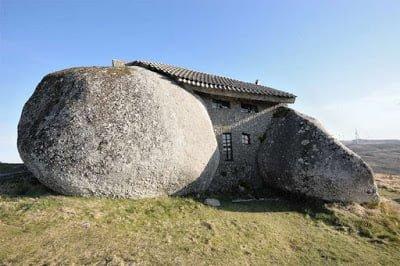 Casa do penedo, Portugal History in Hindi