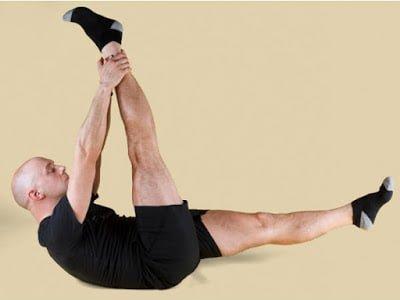 सिंगल लेग स्ट्रेच (Single leg stretch) - Motapa kan karne ke tarike