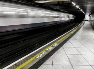 The Most Infamous Suicide Spots, London Underground, Hindi, Information, History, Itihas, Kahnai, Jankari,