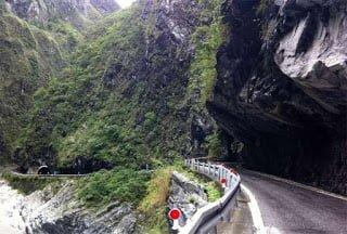 Taroko Gorge road, Taiwan, Hindi, Information, History, Top 10, Top Most, Dangerous, Khatarnak, Road, Sadak,