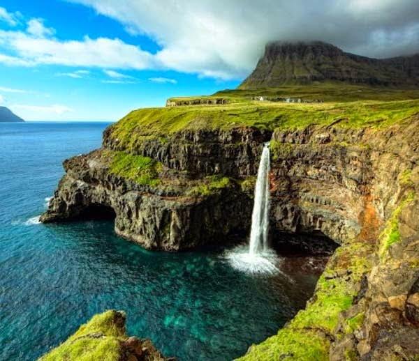 Mulafossur waterfall, Vagar Island, Denmark, Hindi, Information, Jankari, History, Story, Itihas,
