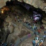 पाताल भुवनेश्वर गुफा मंदिर: मान्यता है की यहां रखा है भगवान गणेश का कटा हुआ सिर