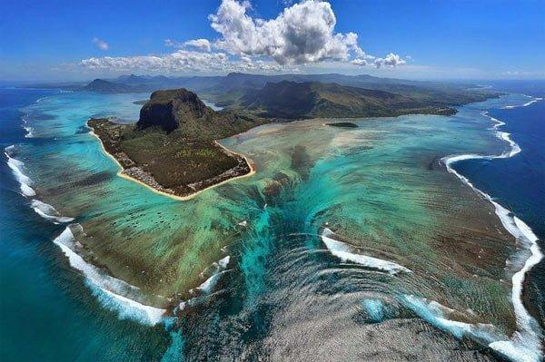 Underwater Waterfall, Mauritius, Hindi, Information, Jankari, History, Story, Itihas,