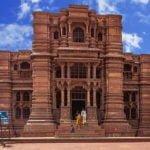 मान्यता है की इन भव्य मंदिरों का निर्माण हुआ था एक रात में