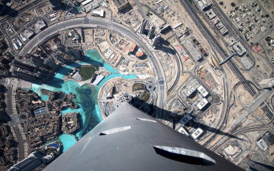 Burj Khalifa, Dubai)