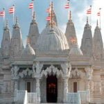 मंदिर के अंदर अवश्य ध्यान रखें ये बातें