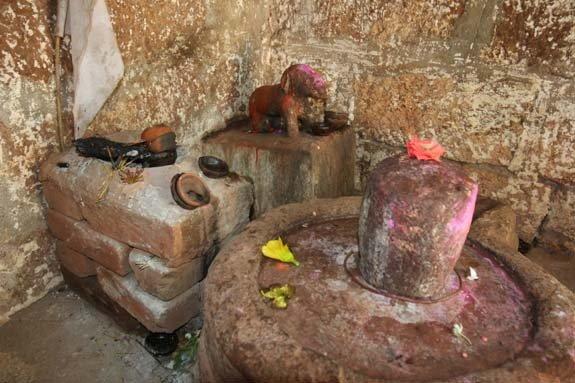 Kukurdev Temple (Dog Temple), Chhattisgarh, Hindi, History, Story, Kahani, Katha, Itihas, Information, Jankari,
