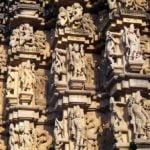 खजुराहो के मंदिरों में क्यों बनाई गई इरोटिक मूर्तियां, यह है 4 मान्यताएं