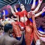 रेडलाइट एरिया की मिट्टी से बनती है दुर्गापूजा के लिए दुर्गा की मूर्ति, जानें क्यों?